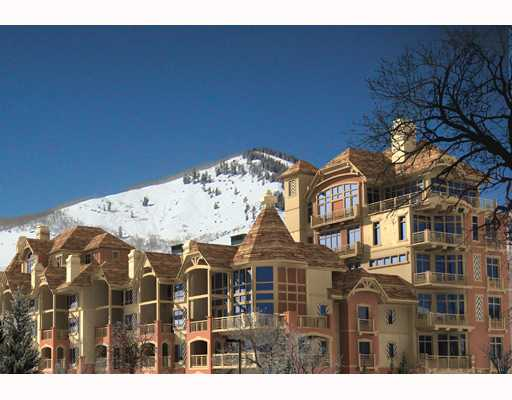 Vail Lions Square Lodge Towers
