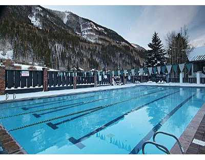 Vail Racquet Club Outdoor Pool