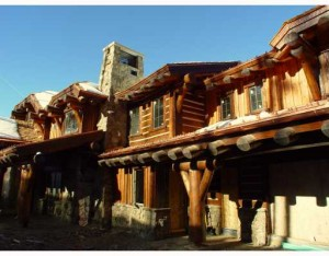 Colorado - Bachelor Gulch Log home goes Green