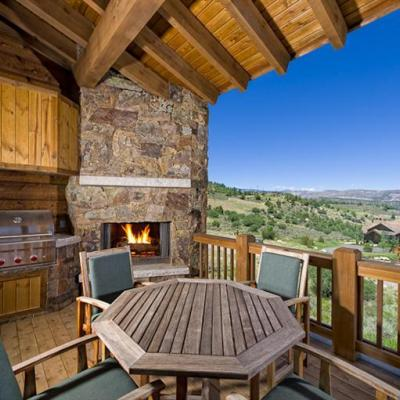 Huge covered deck overlooking Colorado vistas